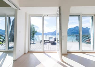 Ferienhaus Mondsee Schlafzimmer mit Terrasse